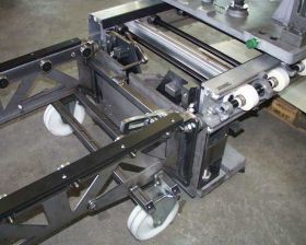 Bild 1: Docking station for transport trolley (for mounting of conveyor end pieces of chaining)